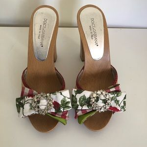 Dolce & Gabbana Floral Shoes size 37 or 7